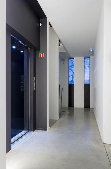 Huislift met schuifdeuren voor optimaal comfort
